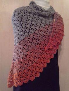 Tücher - bsh beashaekelecks persönliche Webseite! Shades Of Grey, Ravelry, Batik, Crochet Clothes, Crochet Top, Tops, Fashion, Cardigan Sweater Outfit, Lilac