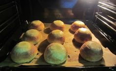 Herkkuja leipomassa: Voisilmäpulla/ Butter Eye Bun Jingle All The Way, Bread Recipes, Butter, Sweets, Eye, Breakfast, Food, Morning Coffee, Eten
