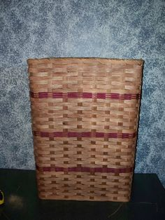 """Primitive Country Hamper Basket with Lid. This Attractive Country Hamper Features a Removable Lid. Put It in the Bedroom, Bathroom, or Laundry Room and It Will Add to Your Country Home Decor. This Hamper Basket Is Another Amish Country Collectible. Hamper Measures 14"""" X 22"""" X 30"""" Tall. This Basket Is Handwoven By the Women of the Old World Order. They Are Known for .... $81.00. PRIMITIVE COUNTRY HAMPER BASKET WITH LID. THIS ATTRACTIVE COUNTRY HAMPE..."""