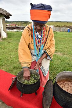 Xhosa woman, Eastern Cape, South Africa by South African Tourism Best Anti Inflammatory Foods, Anti Inflammatory Smoothie, Breakfast Wraps, High Protein Breakfast, Breakfast Recipes, African Traditional Wear, Africa Art, African Tribes, African Culture