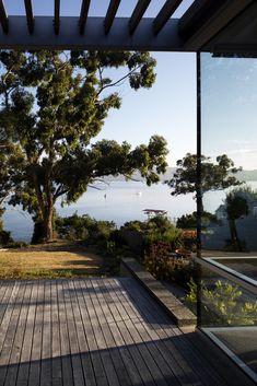 Gallery Of Elms House By Stuart Tanner Architects Local Australian Architecture & Design Tasmania Image 1 Landscape And Urbanism, Landscape Architecture Design, Exterior House Colors, Exterior Design, Coastal Gardens, Australian Architecture, Contemporary Landscape, Tasmania, Outdoor Gardens
