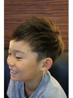 フェリシア Felicia|ヘアスタイル:☆キッズアクセスNO.1スタイル☆|ホットペッパービューティー Boys Haircuts 2018, Boy Haircuts Short, Trendy Haircuts, Kids School Hairstyles, Little Boy Hairstyles, Funky Hairstyles, Formal Hairstyles, Short Wavy Hair, Curly Hair Men