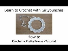 Learn to Crochet with Girlybunches - How to make a Crochet Frame - Croch. Crochet 101, Learn To Crochet, Crochet Motif, Double Crochet, Single Crochet, Christmas Picture Frames, Picture Frame Ornaments, Christmas Yarn, Crochet Christmas Ornaments
