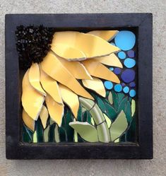 Nikki Murray-Mason, a mosaic artist, specialising in flower mosaics, based in Bermuda. Mosaic Tile Art, Mirror Mosaic, Mosaic Crafts, Mosaic Projects, Mosaic Glass, Glass Art, Stained Glass, Sea Glass, Mosaic Designs