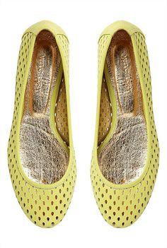 Shoes | Australian designer women's shoes | Witchery Online - Bailey Ballet #witcherywishlist Ballet Flats, Women's Shoes, Style Me, Christmas, Design, Fashion, Xmas, Moda, Ballet Shoes