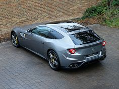 http://www.thegentlemanracer.com/search/label/Ferrari