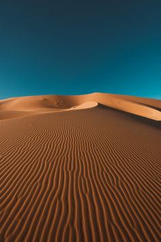 Travelling around the world to find the most beautiful landscapes, seascapes and places to surf. Aesthetic Iphone Wallpaper, Nature Wallpaper, Aesthetic Wallpapers, Wallpaper Backgrounds, Desert Photography, Landscape Photography, Art Photography, Deserts Of The World, Amazing Nature