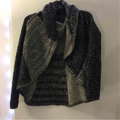 ❤️Perfect Knitted Sweater Cardigan❤️ Perfect Knitted Sweater Cardigan Size Medium Like New. Fits a small-medium best!❤️ Sweaters Cardigans