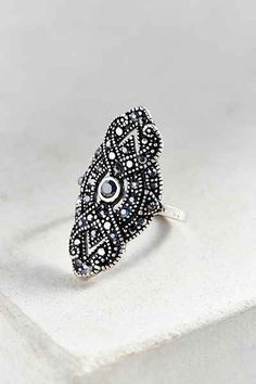 Gatsby Deco Party Ring | buy it here: http://rstyle.me/n/uddkvbbzkf