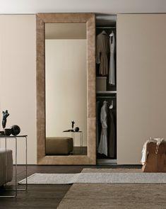 Sectional mirrored wardrobe with sliding doors MIRROR by Presotto Industrie Mobili | #design Pierangelo Sciuto @presottoitalia