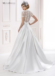 Vestido de novia. Colección 2014 #byManuGarcia Wedding Gowns, Fashion, Wedding Dresses, Grooms, Dressmaking, Homecoming Dresses Straps, Moda, Bridal Wedding Dresses, Fashion Styles