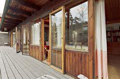 Bostäder till salu – Din lokala mäklare i Bromma – Ålstens Fastighetsbyrå Brick Block, Villa, Windows, Building, Modern, Bricks, Case Study, Furniture, Environment