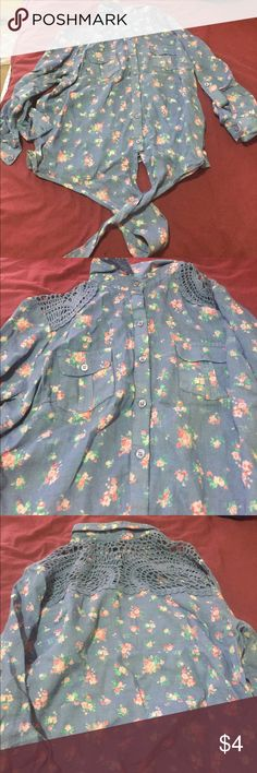 Flower button down blouse Perfect for spring & summer condition (worn ) Rue 21 Tops Button Down Shirts