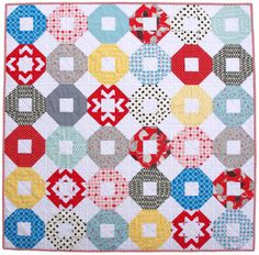Red Pepper Quilts: Lifesavers Quilt - A Picture Post Cute Quilts, Easy Quilts, Quilting Projects, Sewing Projects, Quilting Ideas, Snowball Quilts, Chevron Fabric, How To Finish A Quilt, Quilt Bedding