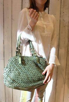 """Handmade woven leather bag """"INTRECCIATO 16"""" di LaSellerieLimited su Etsy"""