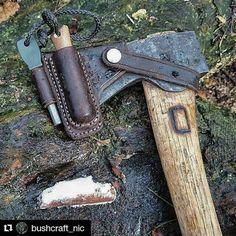 Bushcraft axe sheath w/ knife and fire-stick piggy-backed Bushcraft Skills, Bushcraft Gear, Bushcraft Camping, Survival Knife, Survival Tips, Survival Skills, Survival Food, Camping Survival, Axe Sheath