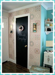 Everyday is a Holiday: Hand Painted JUMBO Vintage style Wallpaper DIY/tutorial  Look what the amazing Jenny and Aaron have done this time!!