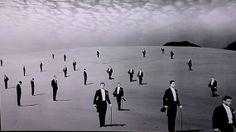 【色褪せない世界】幻想的昭和。砂丘を舞台に撮影された植田正治の写真作品