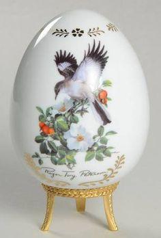 Danbury MintSongbirds Porcelain Egg: Mockingbird