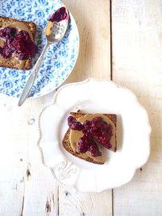Healthy Peanut Butter and Jelly on Toast - Dessert and Snack Ideas - Healthy sweet treats from The MerryMaker Sisters