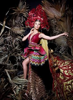 an experiential beauty, lifestyle and travel site based in the Philippines. Miss Universe Philippines, Zamboanga City, Filipino Fashion, Spanish Dress, Gala Dresses, Fashion Show, Fashion Design, Costumes, Filipiniana Dress