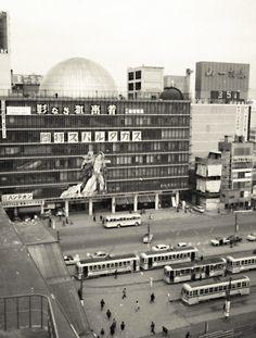 Old Photos, Vintage Photos, Showa Period, Showa Era, Tokyo Olympics, Retro Illustration, Beautiful Songs, Tokyo Japan, Past