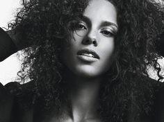 Alicia Keys curls