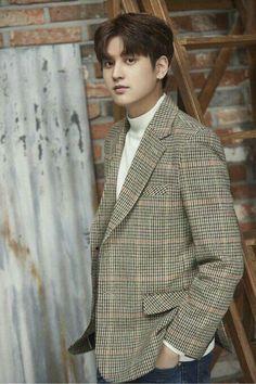 Chanwoo is growing up but he's such a baby still Kim Jinhwan, Chanwoo Ikon, Hip Hop, Yg Entertainment, Ikon Comeback, Bobby, Ikon Member, Koo Jun Hoe, Jay Song