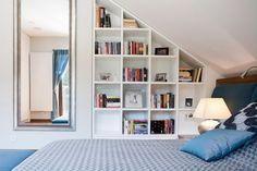 Maviforma - Dom w Krakowie Attic Living Rooms, Attic Bedrooms, Style At Home, Dream Bedroom, Home Bedroom, Diy Home Decor, Room Decor, Bookshelves Built In, Interior Design Studio