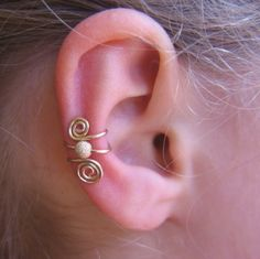 Ear cuff.  Love this.