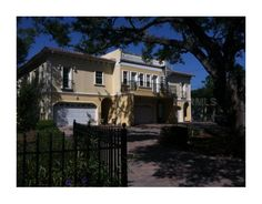 5601 BAYSHORE BLVD D  TAMPA, FLORIDA 33611  3 Bedrooms, 2 Bathrooms  1 Partial Baths  3156 Square Ft.
