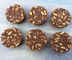 Remember the good old chocolate crackles at birthday parties? Well with these Chocolate Coconut Bites you can have a party every day. Healthy Meals For Kids, Dairy Free Recipes, Healthy Treats, Healthy Baking, Raw Food Recipes, Sweet Recipes, Snack Recipes, Dessert Recipes, Thermomix