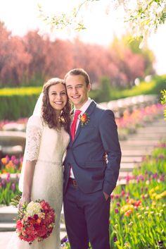 Bride and Groom, Formals session at Thanksgiving Point during Tulip Festival – Utah Wedding Photography