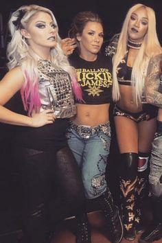 Wwe Girls, Wwe Ladies, Wrestlemania 29, Wwe Women's Division, Mickie James, Wwe Female Wrestlers, Raw Women's Champion, Charlotte Flair, Wrestling Divas