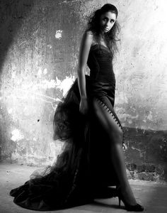 Editorial Fashion Photography - Black and white fashion photography by Warren Lee