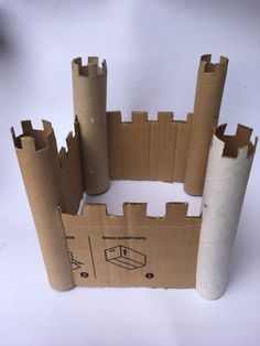 Cardboard Crafts Cardboard castle crafts are a quick and easy way to keep the kids entertained during the holidays Fun Crafts, Diy And Crafts, Arts And Crafts, Paper Crafts, Diy For Kids, Crafts For Kids, Cardboard Crafts Kids, Cardboard Castle, Cardboard Boxes