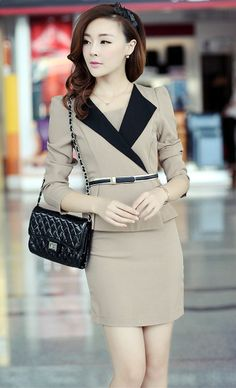 Wow~ Elegant dress! Perfect work outfit.