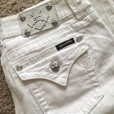 Miss Me Jeans White, boot cut, miss me jeans. Size 28. Only worn a couple times. Miss Me Jeans Boot Cut