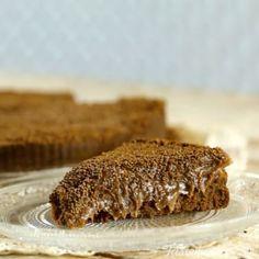 #Torta #Brigadeiro⠀ *Guarda esta receta en la app. Link en la bio*⠀ ⠀ INGREDIENTES⠀ Para la base:⠀ 225 gr. de #galletitas de #chocolate procesadas⠀ 2 cdas. de #azúcar⠀ 110 gr. de #mantequilla⠀ Para el relleno:⠀ 1 cdita. de #gelatina⠀ 2 cdas. de #agua⠀ 2 latas de #leche condensada⠀ 4 cdas. de #mantequilla⠀ 8 cdas. de #cacao amargo en polvo⠀ Una pizca de sal⠀ 1 cdita. de esencia de #vainilla⠀ 1 taza de #crema de leche⠀ 1 cdita. de esencia de vainilla⠀ #Granas de #chocolate⠀ Crema #chantilly…