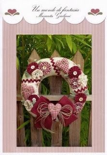 Christmas wreath with pattern /corona navideña con molde Christmas Makes, Christmas Wreaths, Christmas Crafts, Christmas Decorations, Christmas Ornaments, Valentine Crafts, Christmas Projects, Holiday Crafts, Holiday Decor