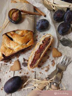 Mézeskalácsos szilvás rétes Fudge, Sweets, Bread, Cake, Recipes, Food, Christmas, Xmas, Gummi Candy