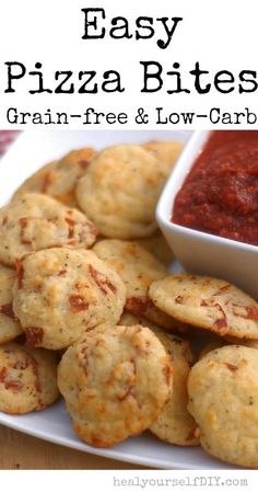 Easy Pizza Bites (Grain-Free & Low-Carb) - Satisfying Eats (Minus the meat) Gluten Free Recipes, Low Carb Recipes, Whole Food Recipes, Cooking Recipes, Dinner Recipes, Pizza Recipes, Healthy Recipes, Pizza Bites, Lchf
