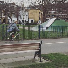Good morning #londonfields its a bike day today! #GOSTYLEDOSE Your daily dose of London cycle street style by Jacqui Ma #cyclestyle #cyclechic #bikestyle #cyclestyle #eastlondon #hackney #whyibike #singlespeed #spaceforcycling #instabike #bicycles #fixie #bikeinthecity #bikepretty #mycommute #cyclist #wellplacedbike #streetstyle #baaw #london #foreverbuttphotos #fitspro #outsideisfree #biking #urbancycling