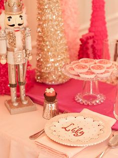 Nutcracker Tablescape: The ultimate Christmas party decor for a little girl.  http://www.hgtv.com/entertaining/diy-favors-and-decorations-for-kids-birthday-parties/pictures/page-17.html?soc=pinterest