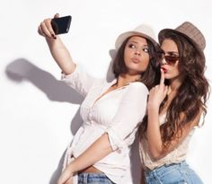 Frexting: Mujeres buscan la aprobación de sus amigas