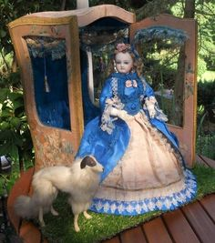 Breathtaking All-Original French Poupee in Her Original Cabinet (item #1338883, detailed views)