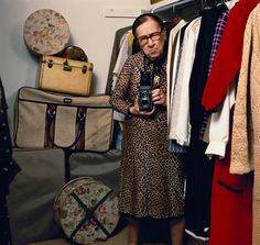 Louise Dahl-Wolfe, Princeton, New Jersey, Photo by Abe Frajndlich. Louise Dahl-Wolfe – was a noted American photographer. She is known primarily for her work for Harper's Bazaar, in association with fashion editor Diana Vreeland. New Jersey, History Of Photography, Fashion Photography, Wolf Photography, Vintage Photography, Chelsea, Harper's Bazaar, Diana Vreeland, Textiles