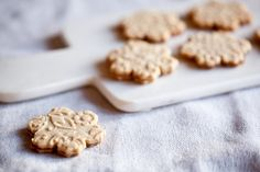 Linecké cukroví | KITCHENETTE Christmas Baking, Christmas Cookies, Christmas Holidays, Xmas, Something Sweet, What To Cook, A Food, Favorite Recipes, Sweets