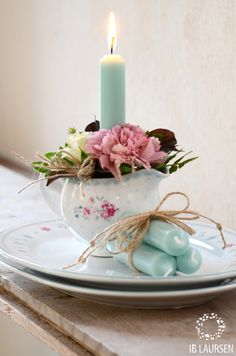 ♔ Floral and Candlelight Shaby Chic, Shabby Chic Style, Shabby Chic Decor, Bougie Partylite, Bougie Candle, Candle Lanterns, Pillar Candles, Teacup Candles, Blue Candles
