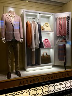 LK By Lincoln Keung - ALFRED DUNHILL Window Display - THE LANDMARK - Hong Kong